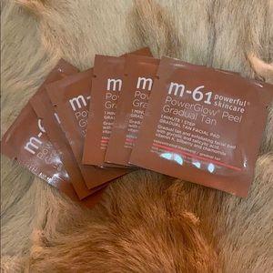M-61 PowerGlow Gradual Tan Facial Pads (6)